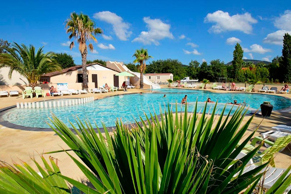 Camping in grimaud domaine du golfe de saint tropez var for Camping saint tropez avec piscine