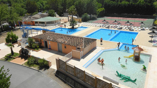 Camping cogolin l 39 agenti re var in provence frankrijk for Camping piscine var